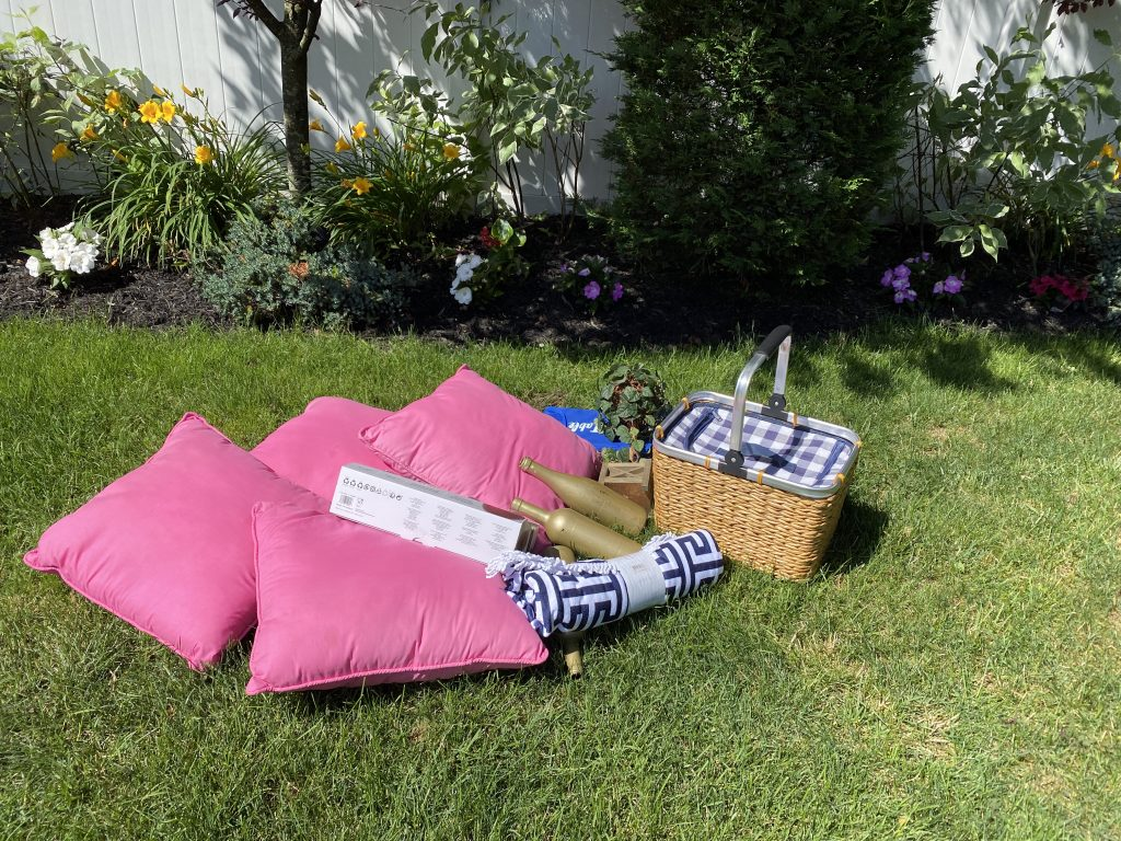 Use bright pink pillows for the rose picnic.