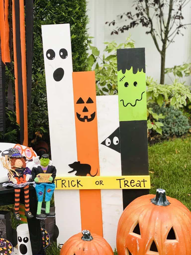 Halloween wood characters