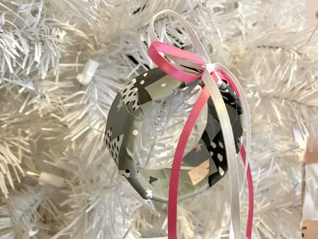 Use ribbon rolls to to make ornaments.