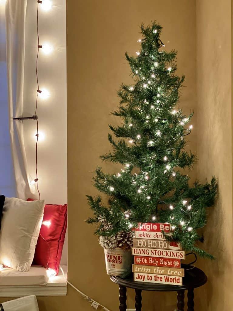 Plain Christmas tree