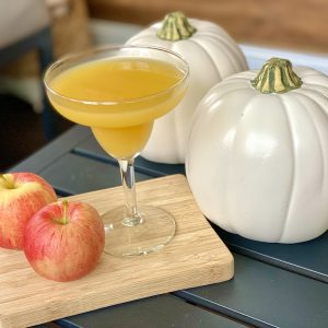 21 Heavenly Apple Cider Cocktail Recipes Your Guests Will Remember