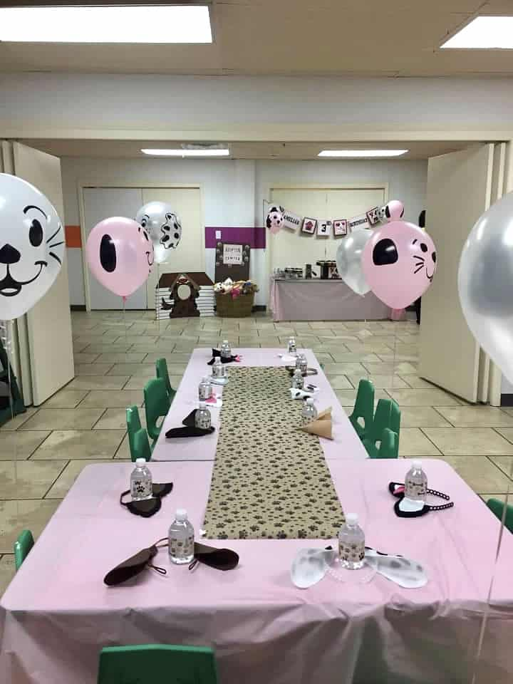 pink and brown party table