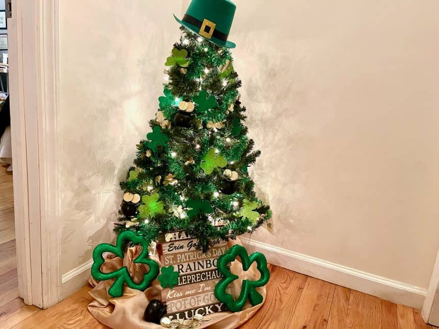 Quick & Easy St. Patrick's Day Tree Decor For Only $10